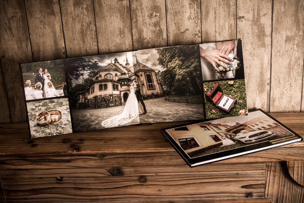 Hochzeitsfotograf Dresden mit einem Beispielbild der Hochzeitsalben aus unseren Paketen.